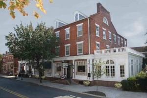 General Sutter Inn